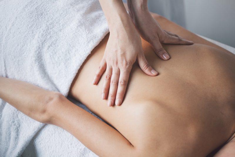 Alternative Heilmethoden für Schmerzpatienten für Betreuungskräfte